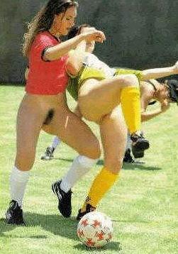 Calcio femminile le giocatrici rimangono nude