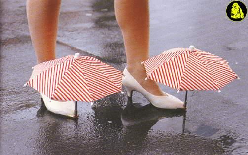 Scarpe con ombrelli incorporati