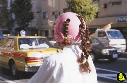 Un casco per le donne con le trecce …sarà utile ?